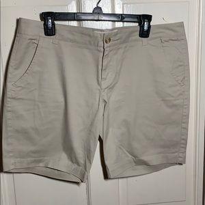 Aeropostale khaki tan Bermuda shorts 13/14